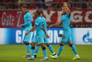 Bảng B Cúp C1: Tottenham để Olympiacos gỡ hòa 2-2