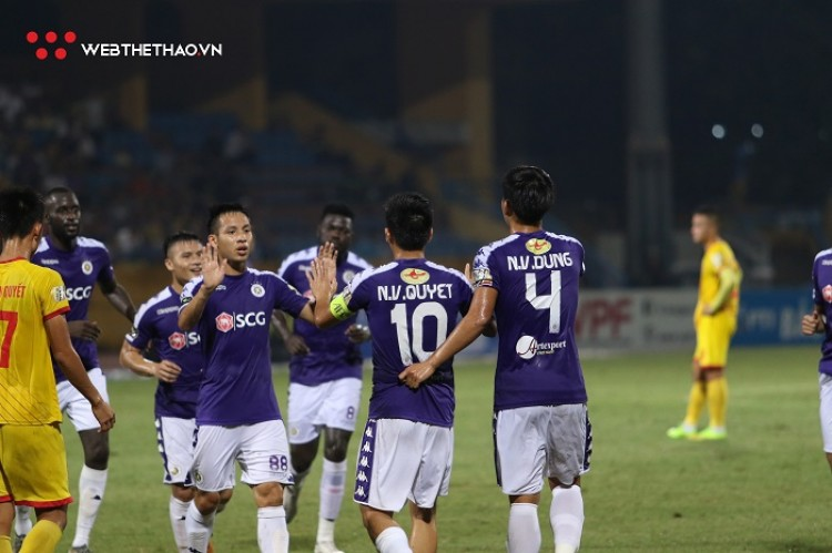 CLB Hà Nội ẵm trọn giải thưởng tháng 8 của V.League 2019
