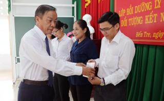 76 học viên hoàn thành lớp bồi dưỡng lý luận chính trị