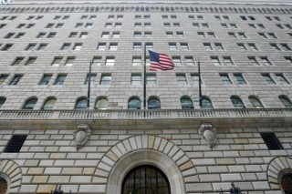 Fed điều tra nguyên nhân làm cạn nguồn tiền mặt tại Mỹ