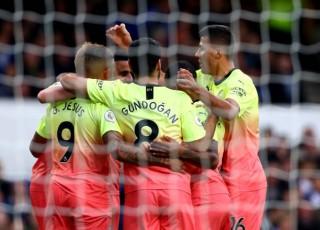Man City hạ gục Everton