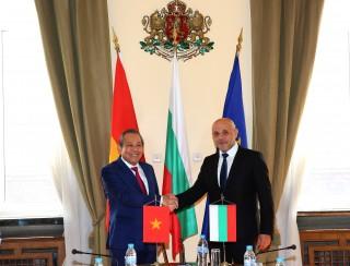 Phó thủ tướng Thường trực hội đàm với Phó thủ tướng Bulgaria