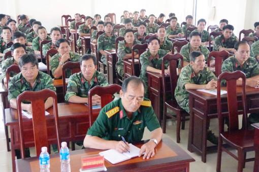 Bồi dưỡng kiến thức quốc phòng và an ninh cho 80 cán bộ sĩ quan