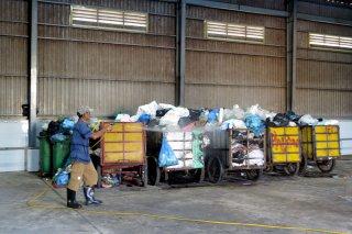 Về việc cản trở chuyển rác vào Nhà máy xử lý rác thải Bến Tre