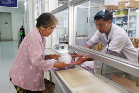 Cơ sở y tế đầu tiên sử dụng túi nylon tự hủy
