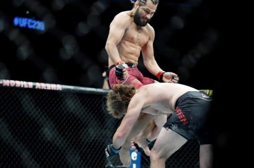 Jorge Masvidal có cú knock-out nhanh nhất trong lịch sử UFC