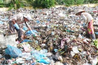 Đẩy nhanh tiến độ thi công bãi rác ấp Bình Hòa
