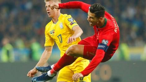 Ronaldo có bàn thắng thứ 700, Bồ Đào Nha ôm hận