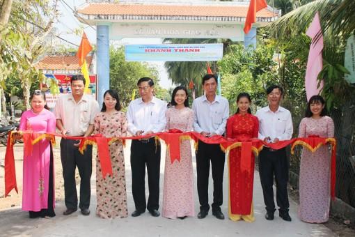 Giao Hòa khánh thành 2 công trình lộ nông thôn