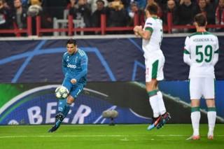 Vòng bảng Champions League 2018/29:  Juventus đánh bại Lokomotiv Moscow 2-1