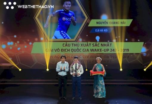 Quang Hải được tôn vinh Cầu thủ xuất sắc nhất V.League 2019