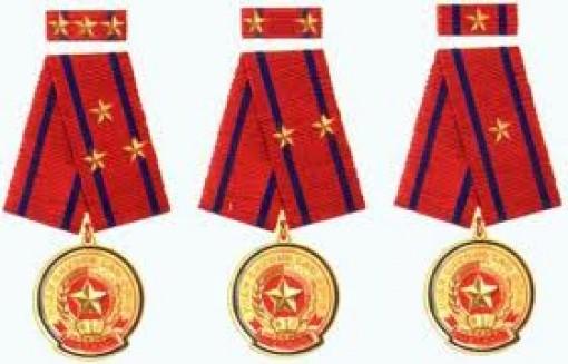 19 gia đình được tặng thưởng Huân chương Độc lập