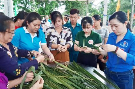 """Ngày hội đại đoàn kết toàn dân tộc gắn với """"Cộng đồng vui hội làng Dừa"""""""