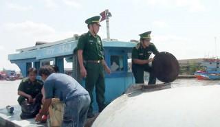 Đấu tranh phòng chống tội phạm trên biển