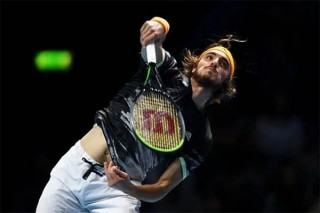 Nadal lại thắng ngược Tsitsipas