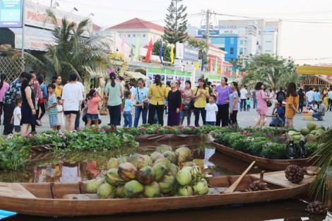 Rộn ràng trước giờ khai mạc Lễ hội Dừa