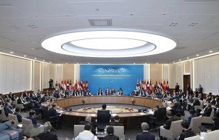 Thủ tướng Nguyễn Xuân Phúc dự phiên thứ hai hội nghị ASEAN - Hàn Quốc