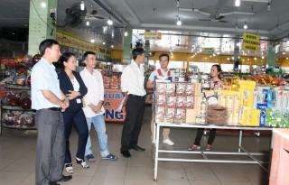 Hỗ trợ đầu tư cửa hàng bán các sản phẩm từ dừa và đặc sản