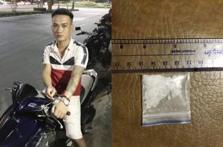 Bắt quả tang đối tượng tàng trữ ma túy