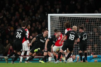 Vòng 15 Ngoại hạng Anh:  Brighton chiến thắng đầy cảm xúc trước Arsenal