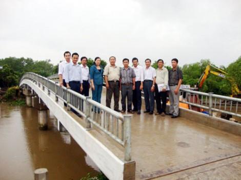 Thiết kế, giám sát miễn phí nhiều công trình cầu, lộ