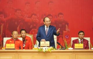Thủ tướng Nguyễn Xuân Phúc gặp đội tuyển bóng đá Việt Nam