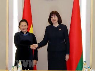 Chủ tịch Quốc hội hội đàm với Chủ tịch Thượng viện Belarus