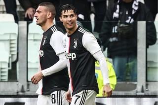 Ronaldo tạo kỷ lục độc nhất vô nhị