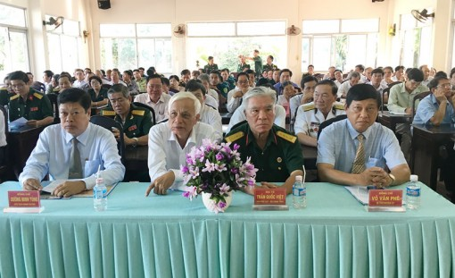 Ba Tri kỷ niệm 75 năm Ngày thành lập Quân đội nhân dân Việt Nam 22-12