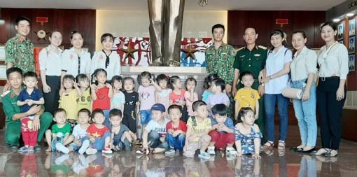 Nhiều hoạt động kỷ niệm 75 năm Ngày thành lập Quân đội nhân dân Việt Nam và 30 năm Ngày hội Quốc phòng toàn dân