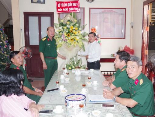 Bộ Tư lệnh Quân khu 9 thăm, chúc mừng đồng bào công giáo nhân dịp Giáng sinh 2019