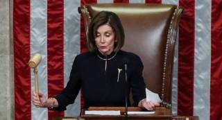 """Trump tố Pelosi đang """"làm mọi thứ"""" để trì hoãn phiên tòa Thượng viện"""