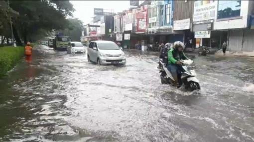 Indonesia phá mây, kéo mưa khỏi thủ đô Jakarta để tránh lụt