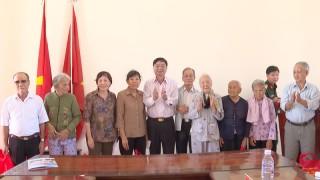 Họp mặt gia đình, cán bộ Đại đội 1, bộ đội địa phương quân của huyện Thạnh Phú
