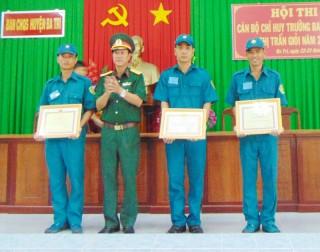 Lực lượng vũ trang huyện Ba Tri thi đua quyết thắng