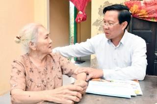 Bí thư Tỉnh ủy Phan Văn Mãi chúc Tết tại Bình Đại