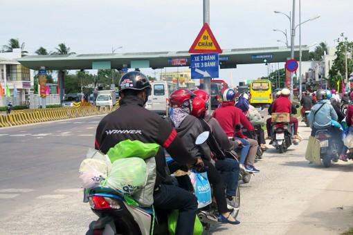 Phân luồng giao thông quốc lộ 60, cầu Rạch Miễu trong dịp Tết