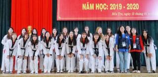 Trường THPT Chuyên Bến Tre giao lưu với sinh viên Hàn Quốc