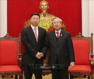 Thường trực Ban Bí thư tiếp Đoàn Đại biểu Đảng Cộng sản Trung Quốc