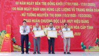 Thạnh Phú tổ chức lễ kỷ niệm 90 năm Ngày thành lập Đảng