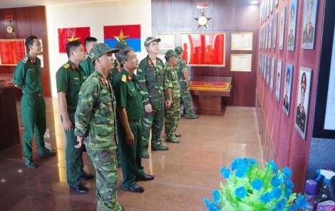 Rèn luyện bản lĩnh chính trị quân nhân