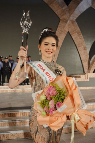 Hoa khôi Người đẹp xứ Dừa 2019 Bùi Thị Kim Quyên: Tự hào quê hương Đồng Khởi