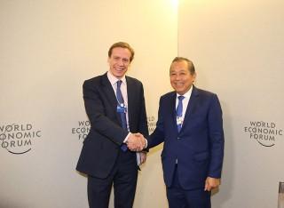 Phó thủ tướng Thường trực tiếp Chủ tịch điều hành Diễn đàn Kinh tế Thế giới