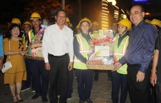 Lãnh đạo tỉnh thăm chúc Tết công nhân và khoa Cấp cứu Bệnh viện Nguyễn Đình Chiểu