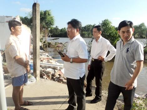 Sạt lở cuốn trôi nhà dân tại xã Hoà Lộc