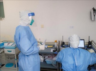 Trung Quốc và Nga đang phát triển vaccine phòng ngừa virus corona
