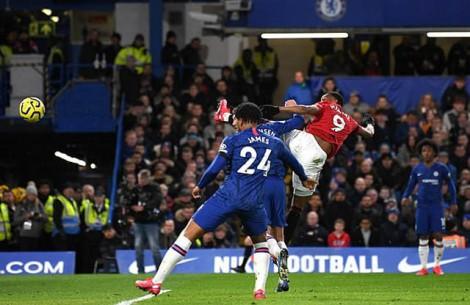 Hai lần bị VAR từ chối, Chelsea thua trận thứ 3 liên tiếp trước M.U