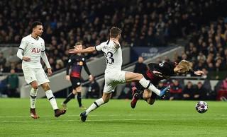 Mourinho bất lực, Spurs thúc thủ