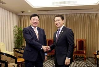 Phó thủ tướng Phạm Bình Minh gặp Bộ trưởng Ngoại giao Trung Quốc, Lào
