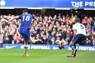 Lampard giành chiến thắng lịch sử trước Mourinho, Chelsea chắc chân trong top 4